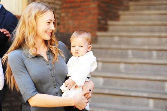 Оксана Акиньшина с сыном Филиппом