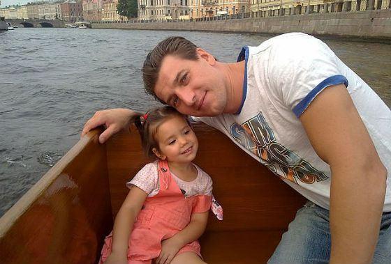 Александр Устюгов с дочкой Женей