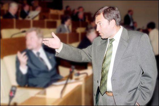 Молодой Вячеслав Володин