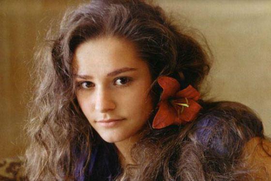 С 2002 года Глафира Тарханова – актриса театра «Сатирикон»