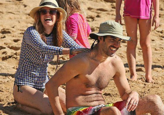 Айла Фишер с мужем на отдыхе