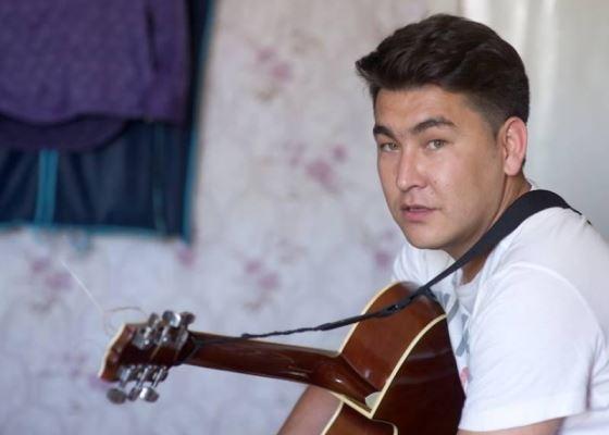 Юморист Азамат Мусагалиев
