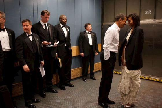 Барак Обама и его жена по-прежнему влюблены