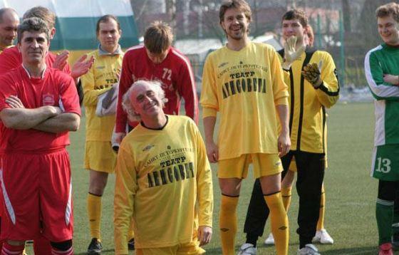Сергей Перегудов любит поиграть в футбол