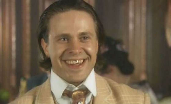 Сергей сыграл Володю Кочубчика из «Соньки – Золотой ручки»