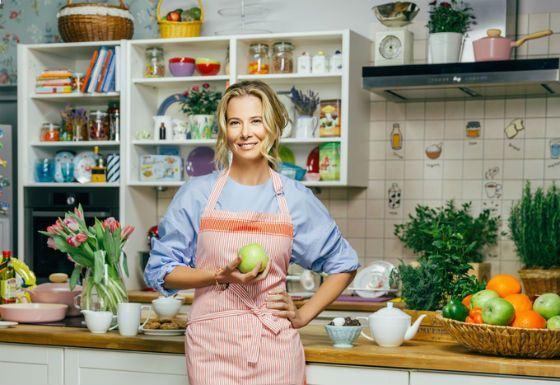 Высоцкая выпустила около сорока книг по кулинарии