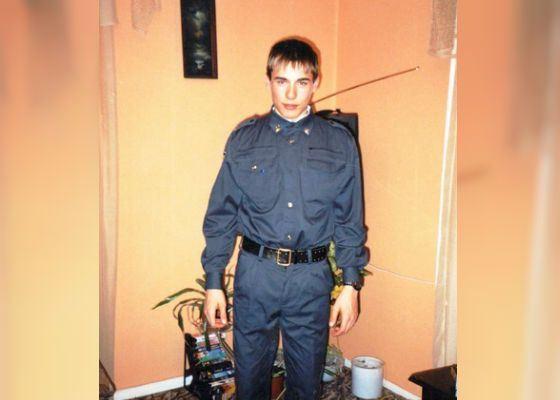 Антон Шипулин учился в Тюменском юридическом институте МВД