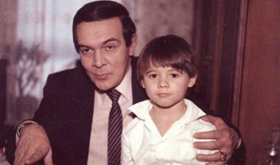 Эмин Агаларов в детстве (на фото с Муслимом Магомаевым)