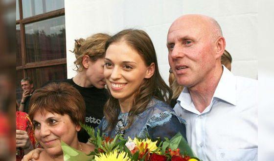 Нелли Уварова с родителями
