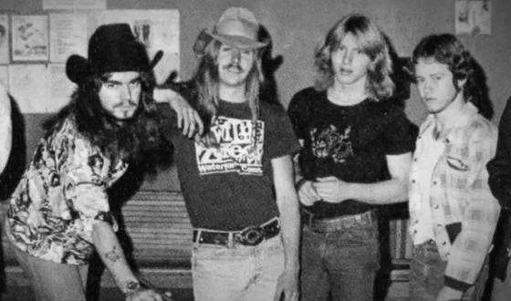 Молодой Билли Боб Торнтон (слева) с братьями