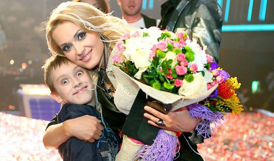 Аида Николайчук с сыном Максимом