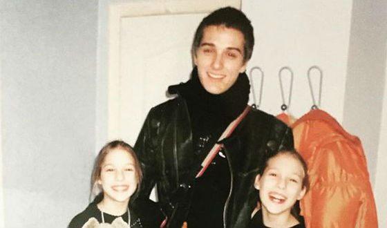 Юный Стас Бондаренко с сестрами