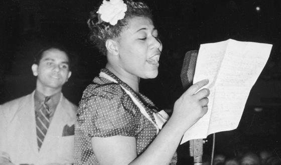 Элла Фицджеральд стала первой певицей, импровизировавшей голосом как музыкальным инструментом