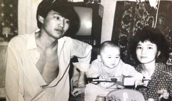 Маленький Кайрат Нуртас с родителями