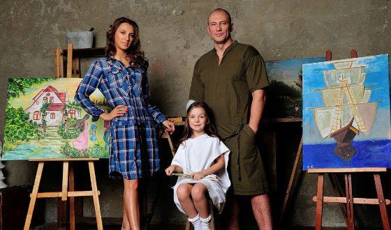 Константин Соловьев с женой Анастасией и дочерью Елизаветой