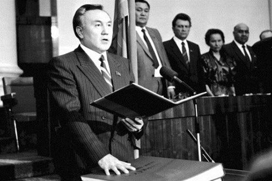 Нурсултан Назарбаев начал карьеру с должности секретаря