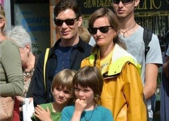 Киллиан Мерфи со своей семьей: женой и сыновьями