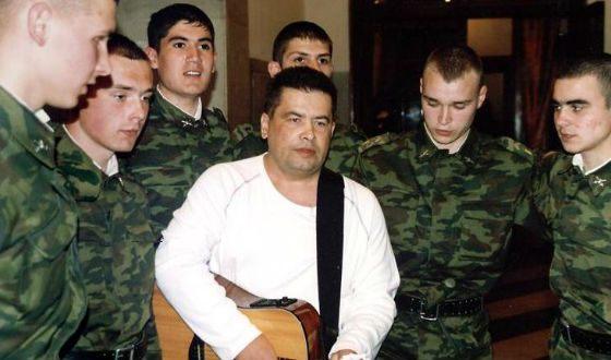 Песни Расторгуева полны неподдельного патриотизма