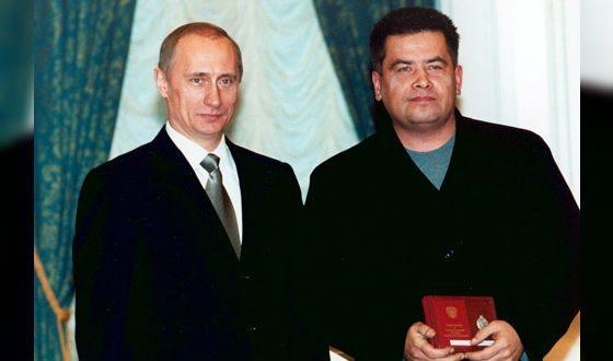 В 2002 году Расторгуев стал Народным артистом РФ