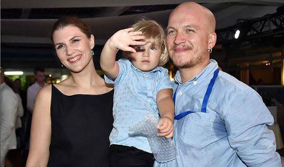 Марьяна Спивак с мужем и сыном (Кинотавр-2017)