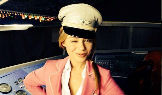 Стюардесса по имени Рина (на съемках «Окрыленных»)