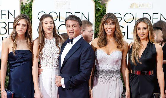 Сильвестр Сталлоне с женой и дочерьми (2016 год)