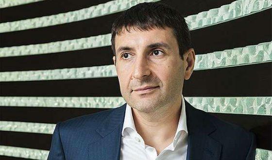 Дмитрий Гусев окончил Финансовую академию при правительстве РФ