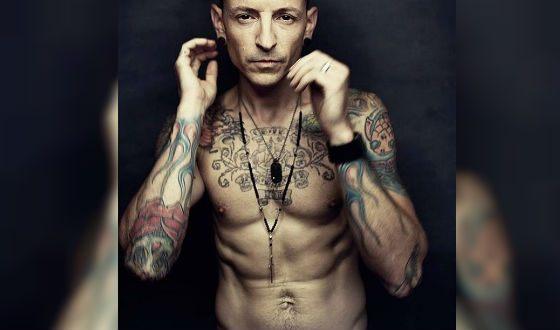 Честер был фанатом татуировок
