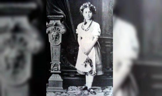 Матильда Кшесинская в детстве, 1880 год