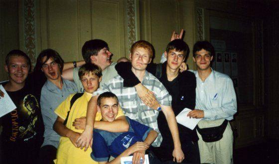 Артем Карасев с одногруппниками по СПбГАТИ