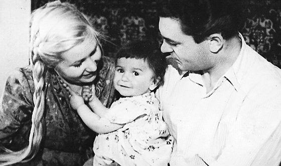 Сергей Бондарчук, Инна Макарова и их дочь Наташа