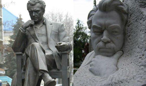 Памятник Сергею Бондарчуку в Ейске и его надгробие