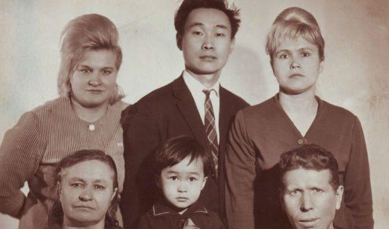 Семья Виктора Цоя: тетя, отец, мама, бабушка и дедушка