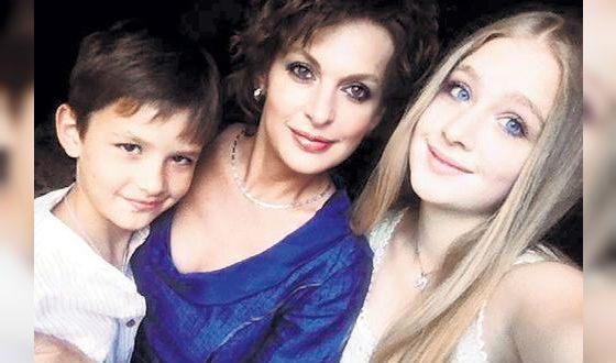 Дочь Сергея Бодрова (справа) решила стать актрисой