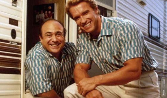 Арнольд Шварценеггер и Денни де Вито на съемках «Близнецов»