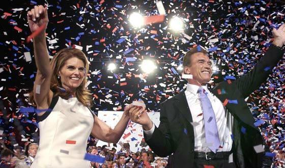 Арнольд Шварценеггер с женой празднует победу на выборах