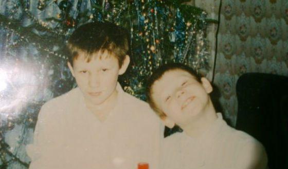 Детское фото Виктора Хориняка (слева – старший брат актера)