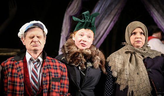 Валерия Дмитриева играет в театре