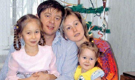 Дмитрий Брекоткин с семьей: детьми и женой