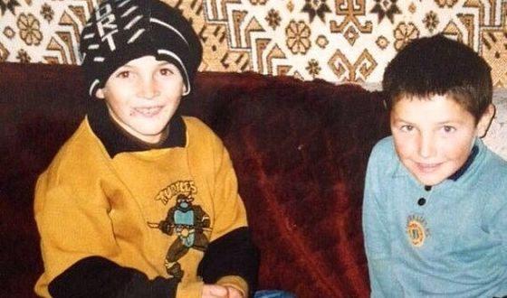 Хабиб Нурмагомедов в детстве с братом