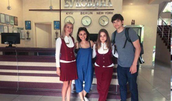 В 2017 Мила Кунис с мужем съездила в Украину