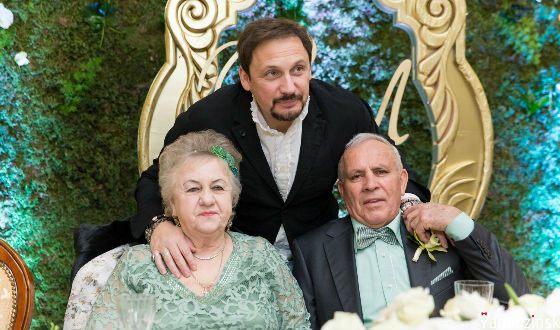 Стас Михайлов с родителями, Владимиром и Людмилой