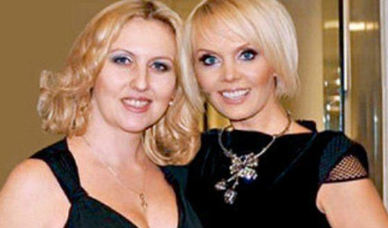 На фото: гражданская жена Стаса Михайлова Наталья Зотова и Валерия