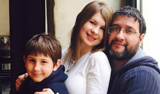 Александр Котт, его жена и сын
