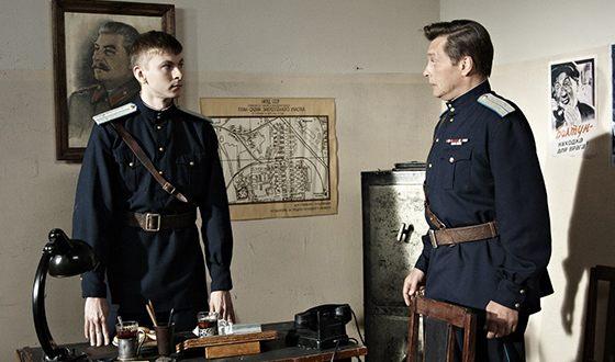 Артём Лысков и Александр Домогаров на съемках сериала «Марьина роща»