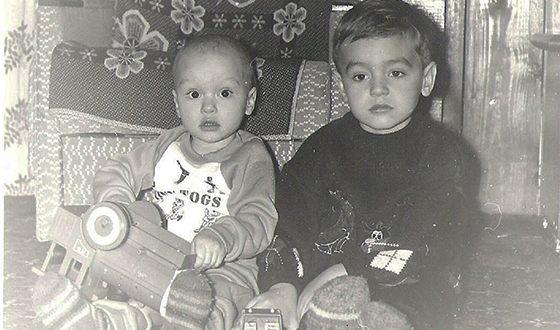 Назар Грабар и его брат Илья в детстве