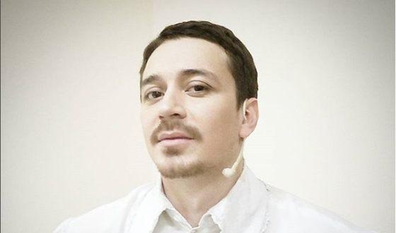 Свой творческий путь Ив Набиев начал с участия в проектах «Народный артист» и «Артист»