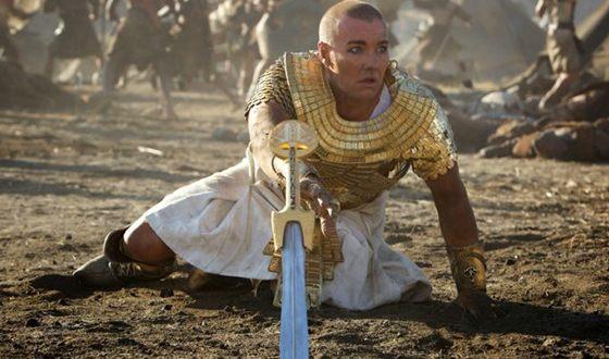 Джоэл Эдгертон в роли фараона («Исход: цари и боги»)