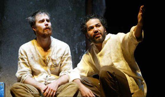 Сэм Рокуэлл на театральной сцене в постановке «Последние дни Иуды Искариота»