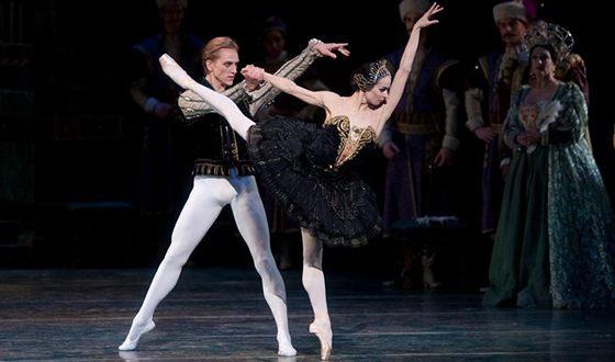 Диана Вишнёва в балете «Лебединое озеро»